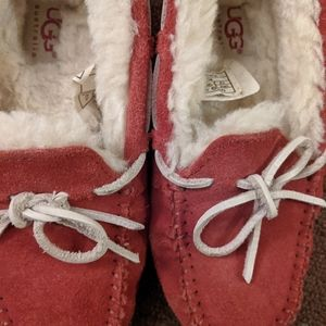 Kids UGG red slippers .. new size 13